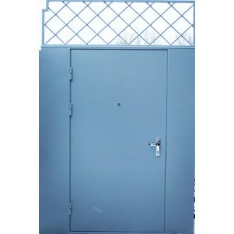 Металлическая  дверь с решеткой